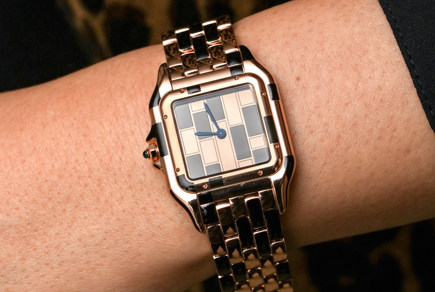 Le Cirque Animalier De Cartier Las Watche In White Gold Panther Cover Closed