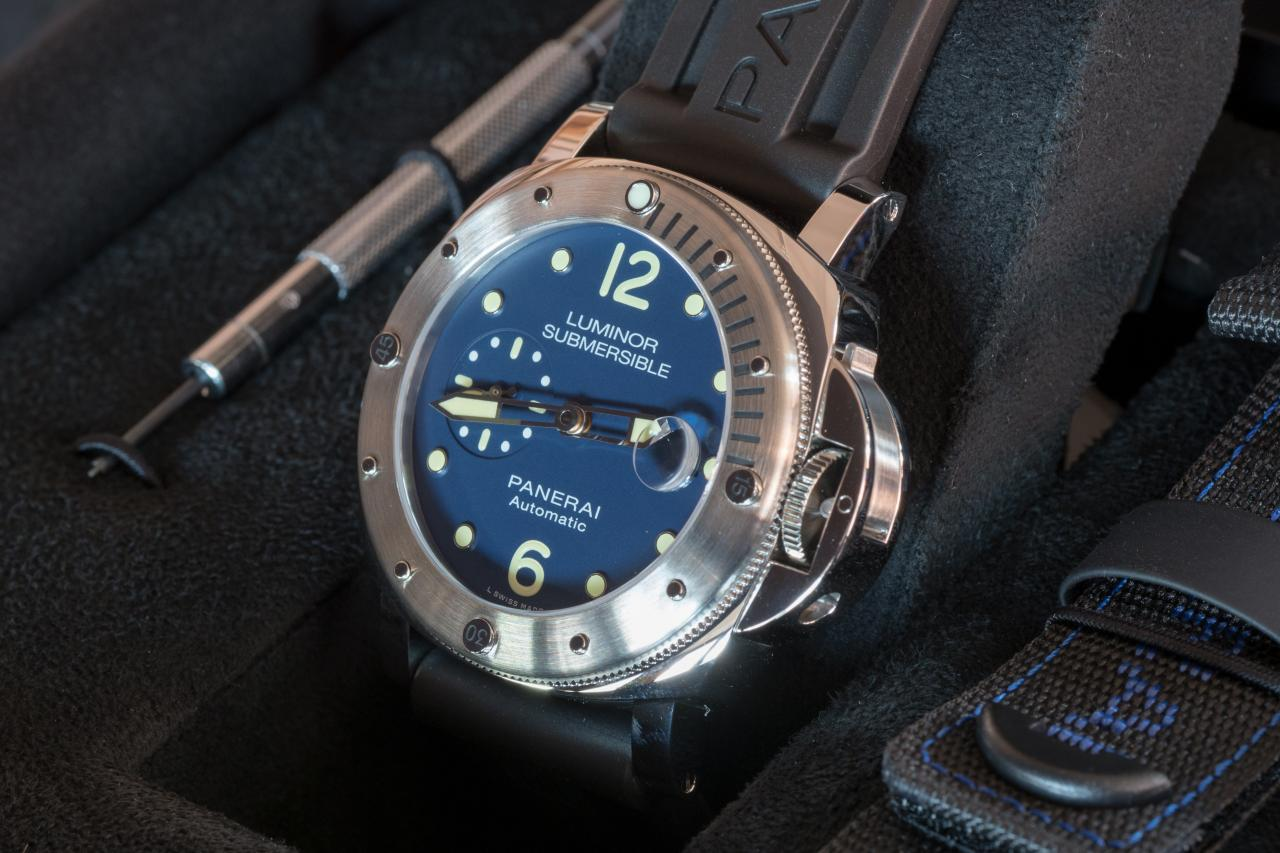 Panerai Luminor Submersible Acciaio PAM00731 dial